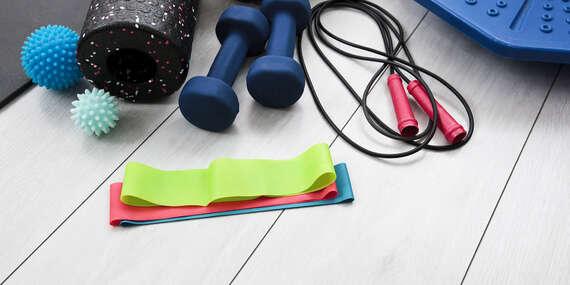 Sady fitness pomôcok na cvičenie od GymBeam – podložky, gumy, švihadlá, valce/Slovensko