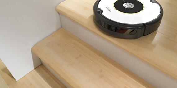 iRobot Roomba® 605, ktorý udrží každodenný prach a nečistoty pod kontrolou/Slovensko