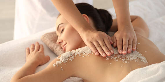 Dopřejte své pokožce speciální péči: Peeling a tělový zabal s Himalájskou solí/Praha 8 - Kobylisy