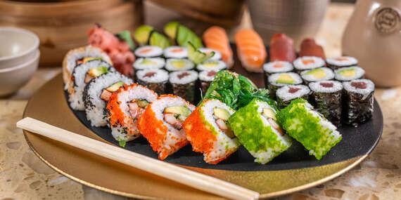 """Sushi set selection pre 2 osoby alebo 2-chodové menu pre 1 osobu v reštaurácii Hotela Mama's **** formou """"take away""""/Bratislava – Staré Mesto"""