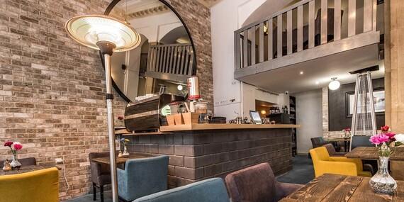 Romantické menu pre dvoch v obľúbenej reštaurácii Le Papillon v centre mesta/Bratislava – Staré Mesto