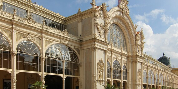 Villa Gloria*** se snídaní bazénem, možností noci zdarma a bezplatným navýšením na pokoj kategorie Deluxe při volné kapacitě, blízko centra Mariánských Lázní / Mariánské Lázně