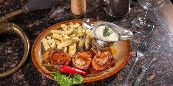 Panenka v oravskej slaninke v Grand Mother's Slovak Pub pod Michalskou bránou/Bratislava - Staré Mesto