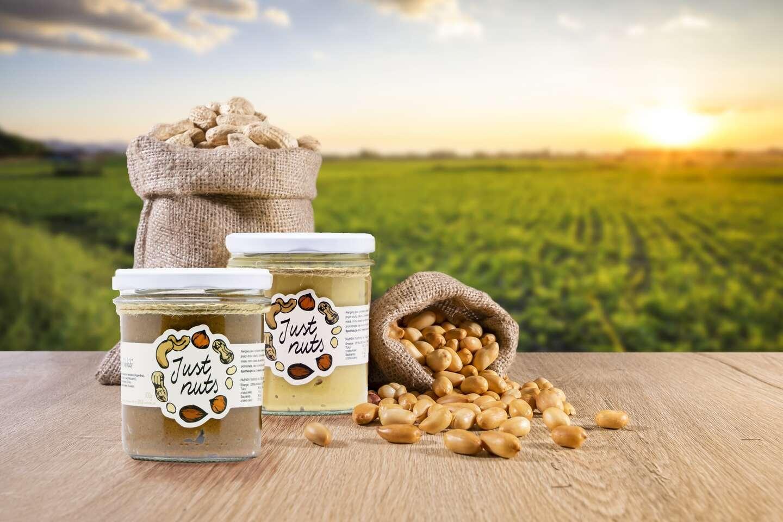 Orieškové maslá - arašidy, med, mandle s kokosom alebo lieskovce s čokoládou