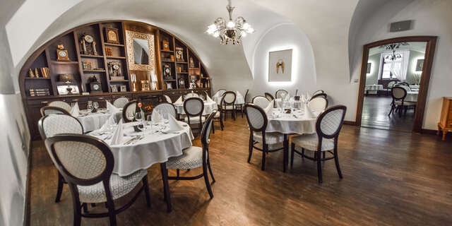 TERAZ EŠTE LACNEJŠIE: Dovolenka v Château Appony**** s wellness, polpenziou, plus novinka - luxusné apartmány už od 1 noci.