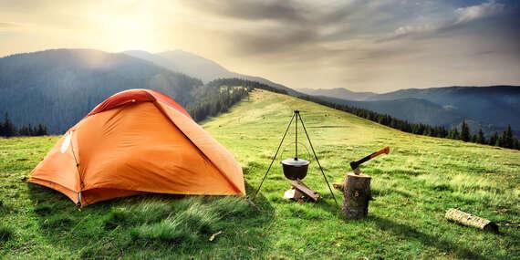 Outdoorový zážitek - přespání ve stanu v krkonošské přírodě se snídaní a hodinou ve společné sauněna Dvorské boudě až do konce roku 2020 / Krkonoše - Strážné