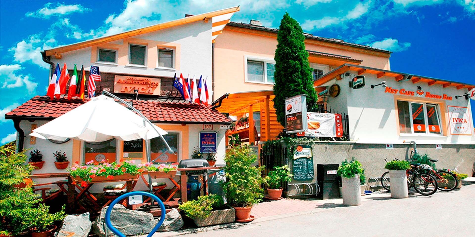 Apartmánový hotel v pokojnom prostredí Malých Karpát na okraji Bratislavy (1 km od TV Markíza)