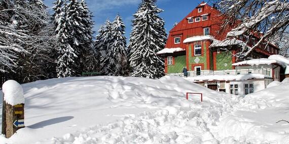 Pohodové pololetní prázdniny i konec zimy na Horské chatě Zvonice v Kořenově s polopenzí / Krkonoše - Kořenov