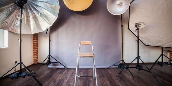 Celodenný kurz fotografie pre začiatočníkov od Photo Studio Zweng/Bratislava - Ružinov, areál Improkom