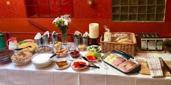 Hostel Marabou - ubytování v zrekonstruovaném pokoji na Žižkově se snídaní, vlastní pivní zónou i zahrádkou/Praha 3 - Žižkov