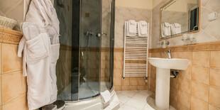 Kúpelňa v GOLDEN ROYAL Boutique hotel & SPA****