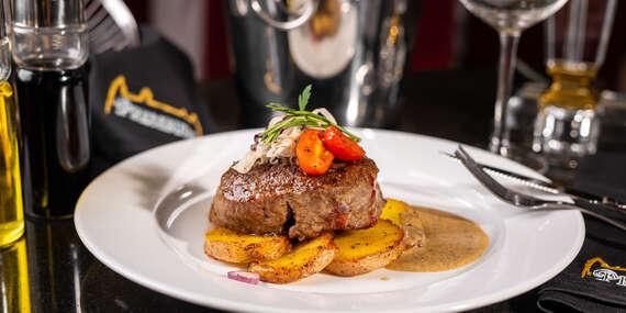 Hovädzí steak, pečené zemiaky na cibuľke s rozmarínom + omáčka podľa výberu v Pressburg Prosecco Bar & Restaurant/Bratislava - Staré Mesto