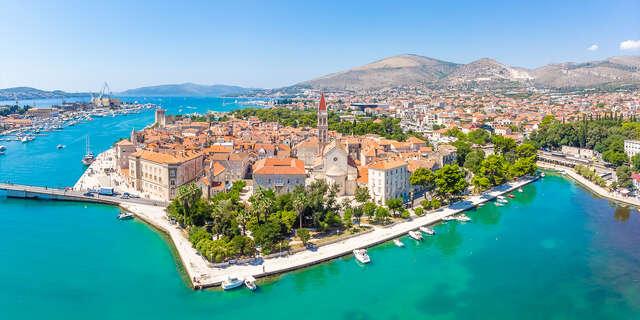 Jedinečný hotel Pašike**** priamo v historickom centre Trogiru s možnosťou plnej penzie