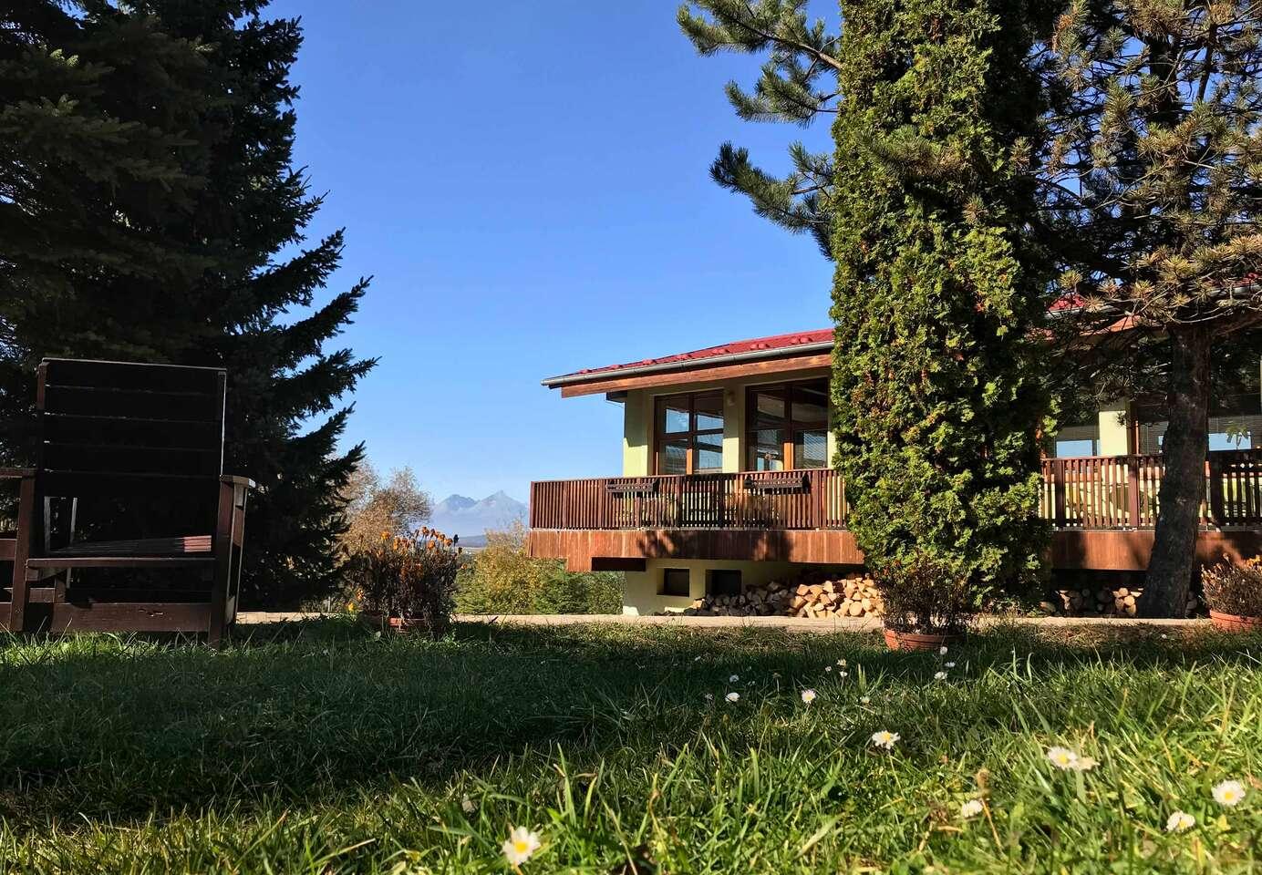 Nádherné prostredie Slovenského raja s krásnym výhľadom na Tatry a relax v AquaCity Poprad to je dovolenka v Park Hoteli Čingov***