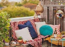 Presťahujte sa na balkón – podarené leto smalým rozpočtom