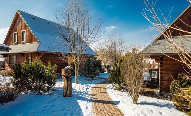 Čarovná zima s celou rodinou v apartmánoch alebo dreveniciach resortu Sojka