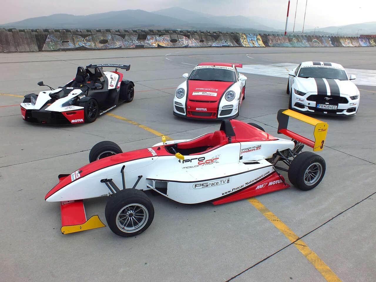Jazda na pretekárskom aute podľa výberu Formula, Porsche 911 v GT3 úprave alebo Mustang GT V8