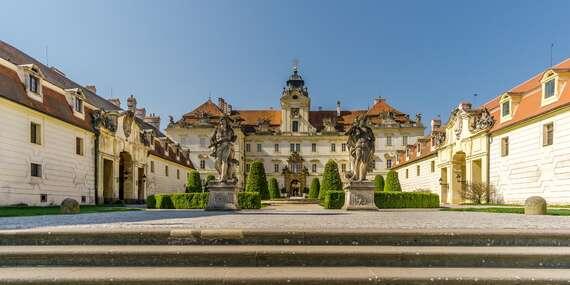 Pobyt kousek od zámku v Penzionu Myslivna v Lednicko-valtickém areálu s polopenzí a vínem / Jižní Morava - Lednice