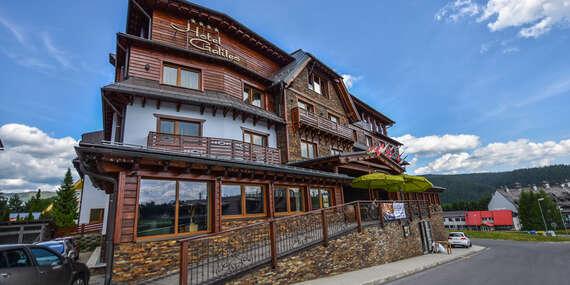 Letný pobyt s luxusným ubytovaním na Donovaloch na toskánsky štýl v hoteli Galileo**** s úžasným personálom a wellness/Liptov - Donovaly