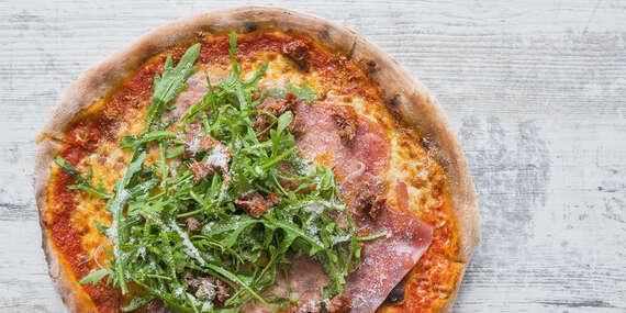 Chutná talianska pizza pečená na dreve / Košice - Staré Mesto