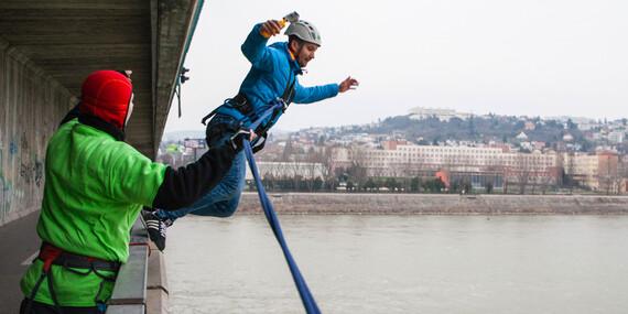Kyvadlový zoskok z mosta Lafranconi - brutálny zážitok, na ktorý tak skoro nezabudnete/Bratislava – Most Lafranconi