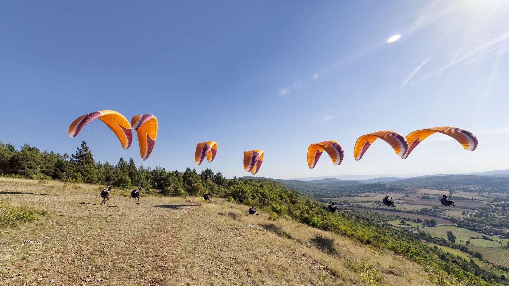 Rýchly 1-dňový kurz paraglidingu pre 1 alebo 2 osoby v krásnom pr...