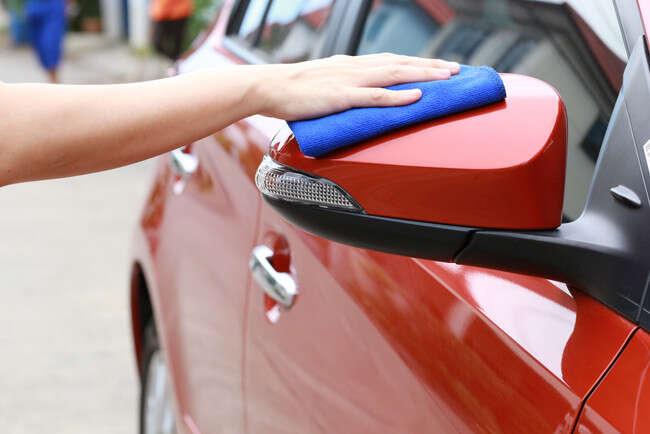 Voňavé a čisté auto vďaka kompletnému čisteniu alebo dezinfekc...
