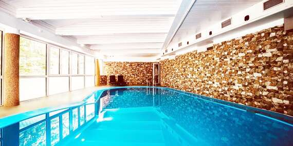 Interhotel America **** uprostřed přírody jižních Čech s neomezeným vstupem do bazénu, sauny a fitness/Jižní Čechy - Písek