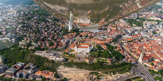 Nezabudnuteľný zážitok s možnosťou pilotovania neďaleko Bratislavy na úplne novom modernom lietadle s dokonalým výhľadom / Letisko Dubová