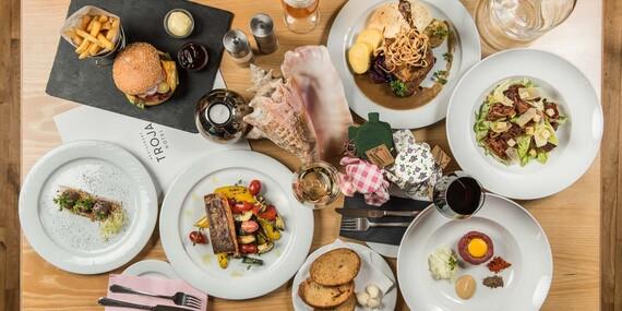 Kouzelná Praha v designovém hotelu Troja**** s bohatou snídaní a welcome drinkem/Praha - Libeň