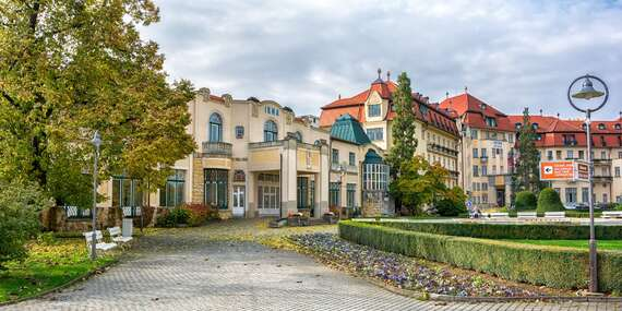 Vyrazte za zdravím do najobľúbenejšieho kúpeľného mesta Piešťany s plnou penziou, nápojmi a procedúrami/Piešťany