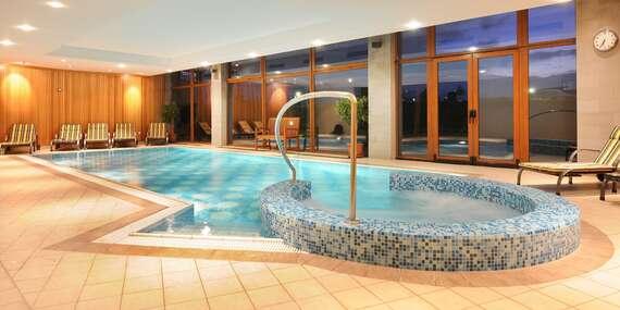 Jedinečný zážitok pod štítmi Tatier v hoteli International**** s úžasným výhľadom na veľhory / Vysoké Tatry – Veľká Lomnica