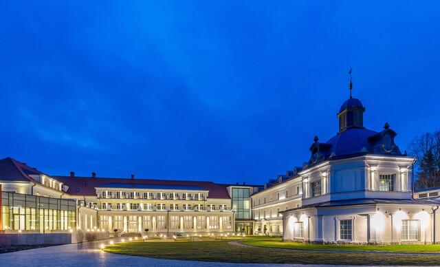 Luxusný oddych s wellness, procedúrami, Zlatým kúpeľom a aquaparkom v hoteli Royal Palace*****