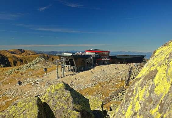 Strávte leto priamo na vrchole Chopku v hoteli Rotunda