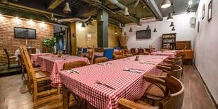 Interiér reštaurácie Le Petit Café.