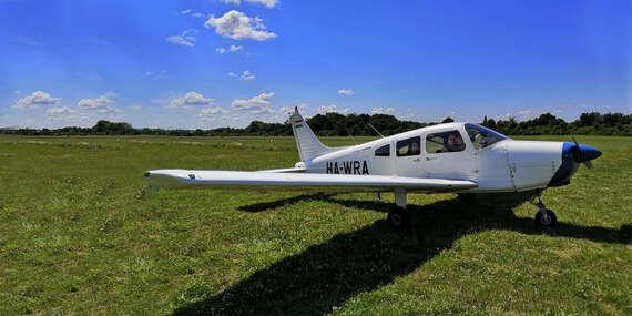 Oboznamovací vyhliadkový let na štvormiestnom lietadle s možnosťou pilotovania - pilot na skúšku/Nové Zámky/Sládkovičovo/Dubová