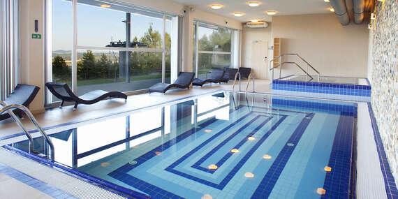 Podzimní dovolená plná aktivit včetně vstupu do bazénu i na lanovku pro páry i rodiny přímo na Monínci / Střední Čechy - Monínec