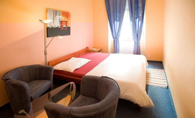 Lacné ubytovanie v Prahe len 5 minút pešo od Václavského námestia s dlhou dobou platnosti, až do septembra 2019.