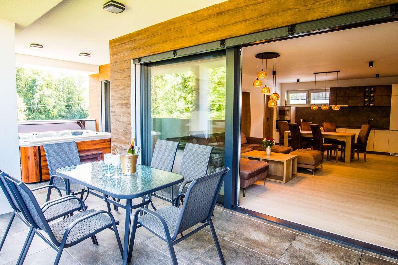 Luxusné bývanie s privátnou vírivkou až pre 6 ľudí v Penthouse Apartments pri Oravskej priehrade