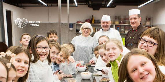 Zážitkový workshop v muzeu čokolády Chocotopia v centru Prahy s prohlídkou, ochutnávkou i výrobou vlastních čoko tabulek - za každý prodaný kupón jedna 100 g čokoláda pro Českou asociaci sester / Praha
