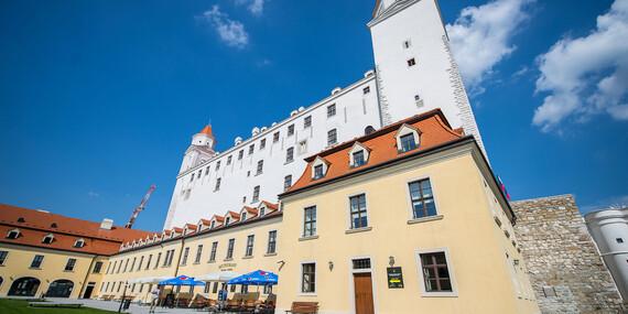 Trojchodové menu v prostredí Bratislavského hradu v reštaurácii Hradná Hviezda/Bratislava - Staré Mesto - Bratislavský hrad