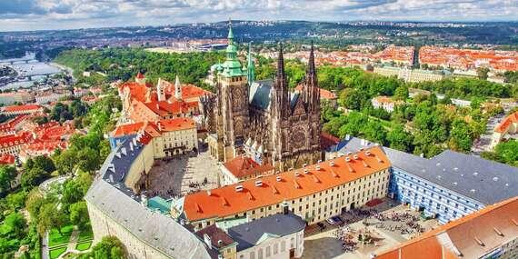 Hotel Carl Inn**** len 10 minút autom od hradu, s raňajkami a dieťaťom do 10 rokov zdarma/Praha - Česko
