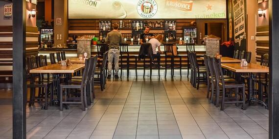Najlepšie pochúťky k pivu – pečené rebrá, krídla alebo rezne + Kofola alebo pivný špeciál v Beer Arene/Bratislava – Staré Mesto