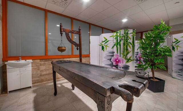 Ayurvédske ozdravné vstupy a pobyty v prvej ayurvédskej klinike na Slovensku - joga, meditácie, masáže, wellness a detoxikačné procedúry aj strava.