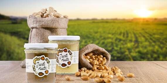 Orieškové maslá - arašidy, med, mandle s kokosom alebo lieskovce s čokoládou/Slovensko