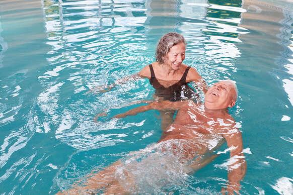 Relax s polpenziou, bazénom a kúpeľnými procedúrami v hoteli Flóra**