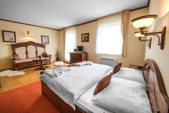 Hotel Husárik****: Dovolenka v čistej prírode Kysúc s regionálnymi špecialitami na večeru