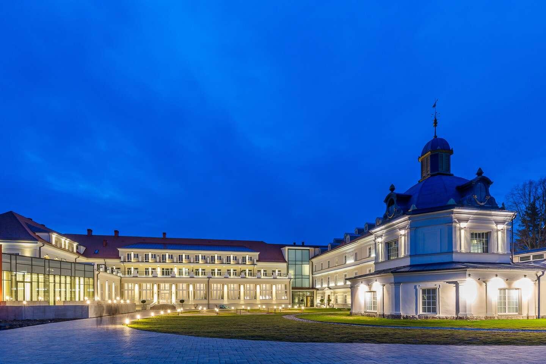 Limitovaná ponuka s neobmedzeným kúpaním v liečivej, termálnej a minerálnej vode SPA&AQUAPARK s ubytovaním v hoteli Royal Palace*****