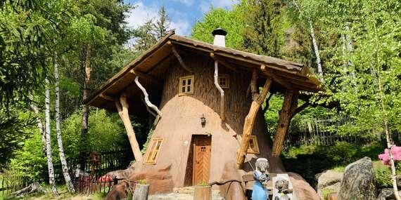 Pohádková vesnička pro dva a 2 děti do 12 let zdarma včetně polopenze, krytého bazénu a platností do prosince 2021/Vysočina/Ždárské Vrchy - Svratka