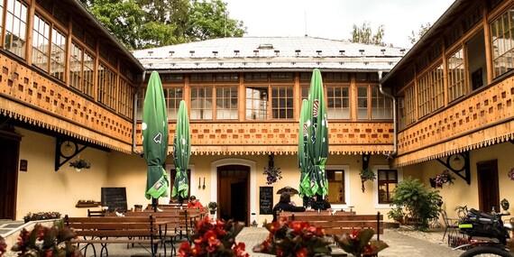 Jeseníky s ubytováním a polopenzí na Zámečku Grohmann/Jeseníky - Vrbno pod Pradědem